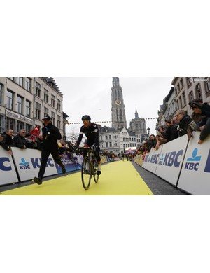 Greg Van Avermaet aboard his custom BMC Teammachine SLR01 in the Grote Markt, Antwerp
