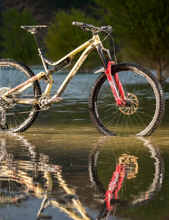 Commencal's Meta 29 looks similar to the 650b Meta V4.2, but is a whole new beast