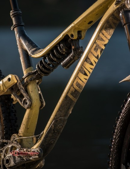 Top-end dampers from RockShox grace the top-end build