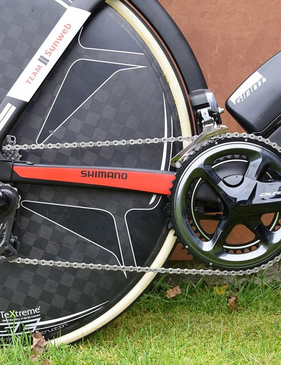 The drivetrain and shifters are a mix of Shimano Dura-Ace R9100 and R9000 series components