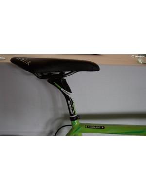 FSA K-Force and Fizik Arione seatpost-saddle combo