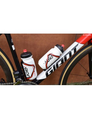 Giant produces the majority of the finishing kit, including bottle cages and bidons