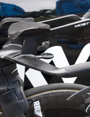 One-piece bars and stem are designed to cut through the air