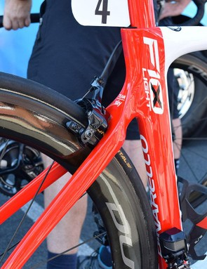 A split of colour on the seat tube reflects the Polish national colours and national flag