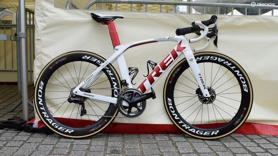 Stupendous Tour De France Bikes John Degenkolbs Trek Madone Disc Beatyapartments Chair Design Images Beatyapartmentscom