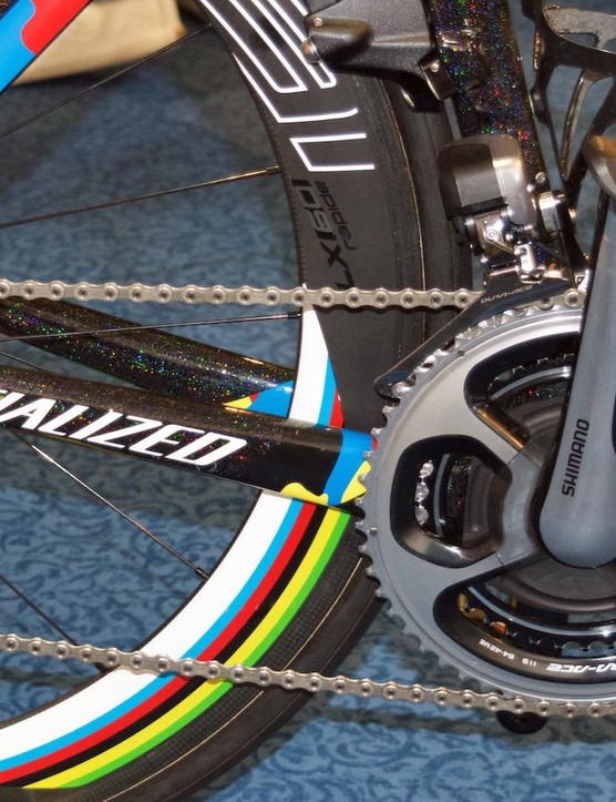 The Roval CLX 60mm wheels also feature the rainbow stripes of the world champion