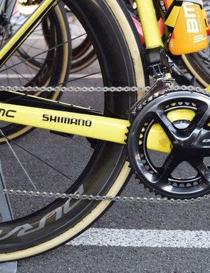 The yellow bike is fitted with the usual Shimano Dura-Ace R9150 drivetrain