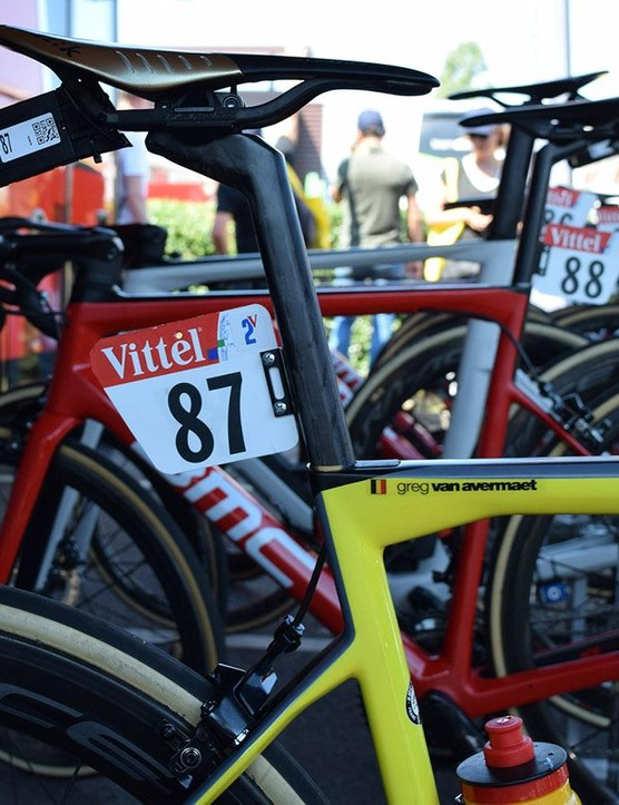 The frame retains the regular decals and finishing touches as a regular team-issue bike