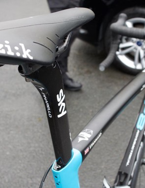 A look from behind of Ian Stannard's Pinarello Dogma F8