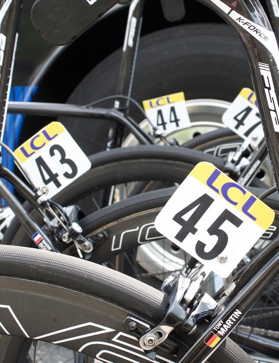Etixx-Quickstep's bikes have a mixture of FSA and Specialized finishing kit
