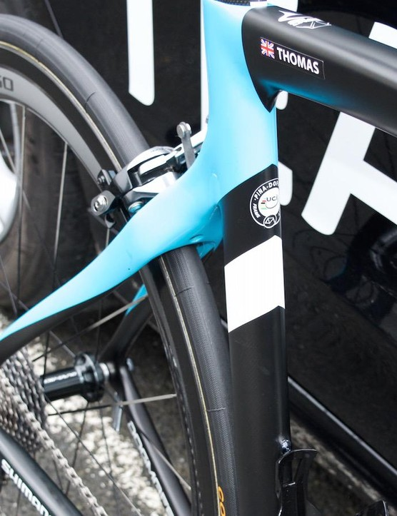 Sharp lines on the 2016 Team Sky paint scheme