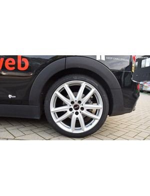 Team Sunweb opts for 19.5 inch/495mm ten-spoke alloy wheels