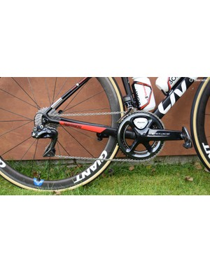 The women's team also use a Shimano Dura-Ace R9150 drivetrain but with a Pioneer power meter