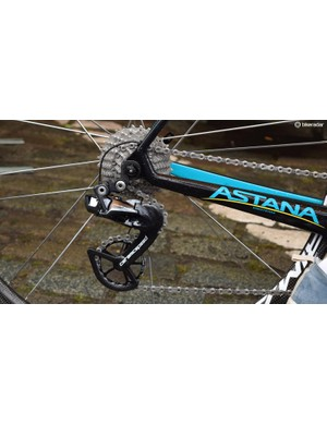 Astana have modified their Shimano Dura-Ace rear derailleurs with CeramicSpeed's OSPW jockey wheels