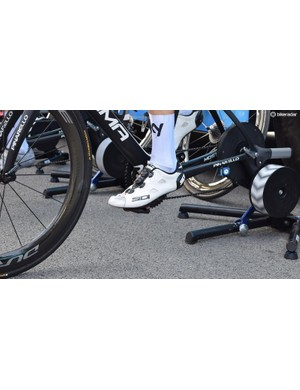 Chris Froome races in all-white Sidi Shot shoes