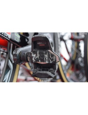 Marcel Sieberg is one of several Lotto-Soudal riders to affix a strip of handlebar tape on his pedals for some extra comfort