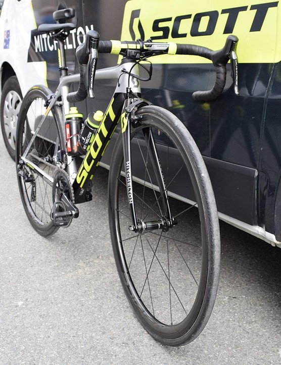 The front end of Adam Yates' Scott Addict RC