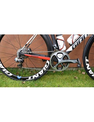 Unlike the men's and women's team, the development riders are equipped with the slightly older Shimano Dura-Ace 9000 series Di2 groupset