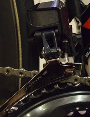 Shimano R9150 Di2 electronic derailleurs provide the front and rear shifting on the Cervelo