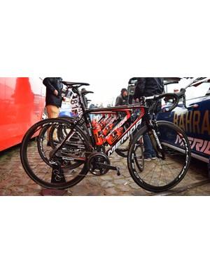 Vincenzo Nibali's (Bahrain-Merida) Merida Scultura for the 2018 Tour of Flanders