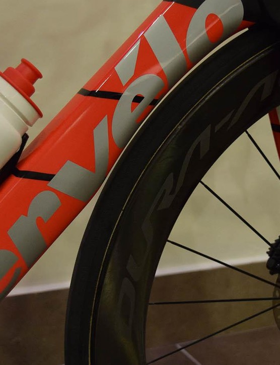 The paint design on the new Cervelo framesets features a red to white fade with silver Cervelo decals
