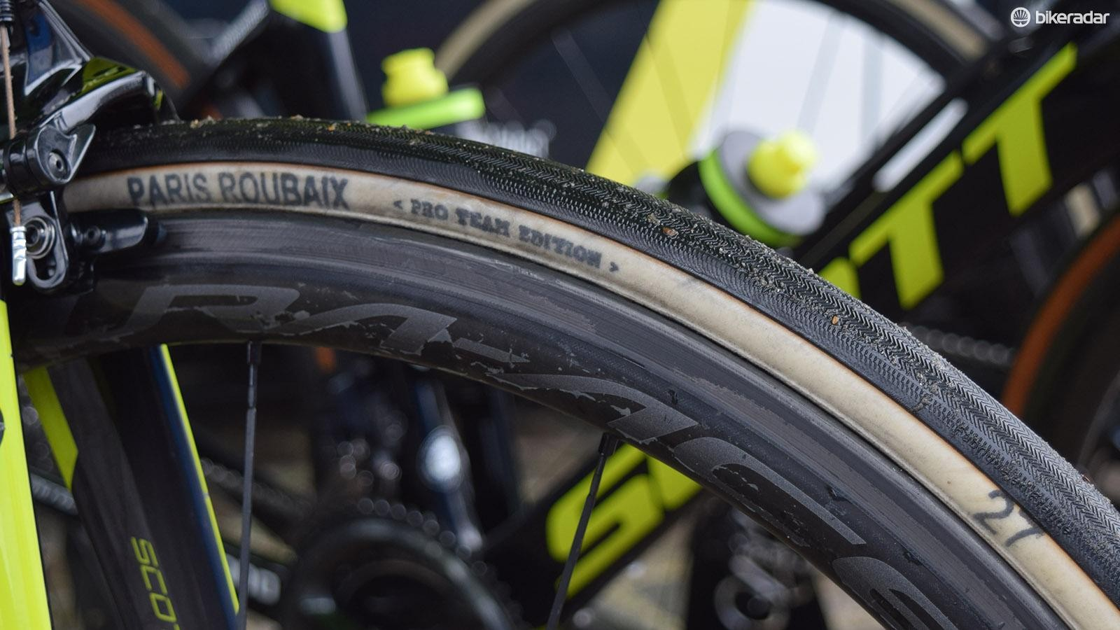 Mitchelton-Scott had a mix of FMB and different Continental tubular tyres