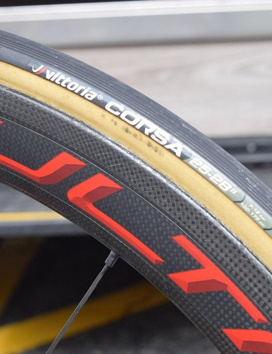 The Italian theme continues with 25mm Vittoria Corsa tubular tyres
