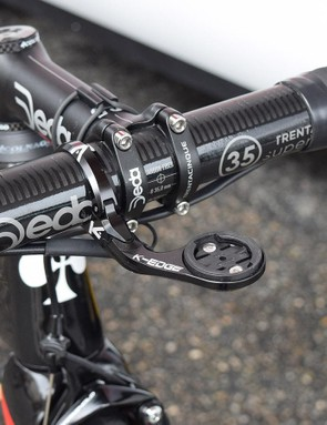 Martin's Deda Trenta Cinque cockpit is paired with a K-Edge out-front computer mount