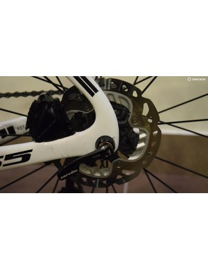 A look at the rear disc brake caliper and 140mm rotor