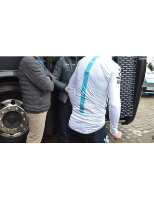 Team Sky's Castelli rain jackets have extended rear flaps for additional coverage of the rear