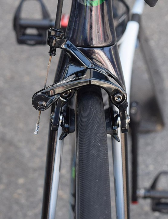 Shimano Dura-Ace R9100 brakes provide Cavendish with stopping power