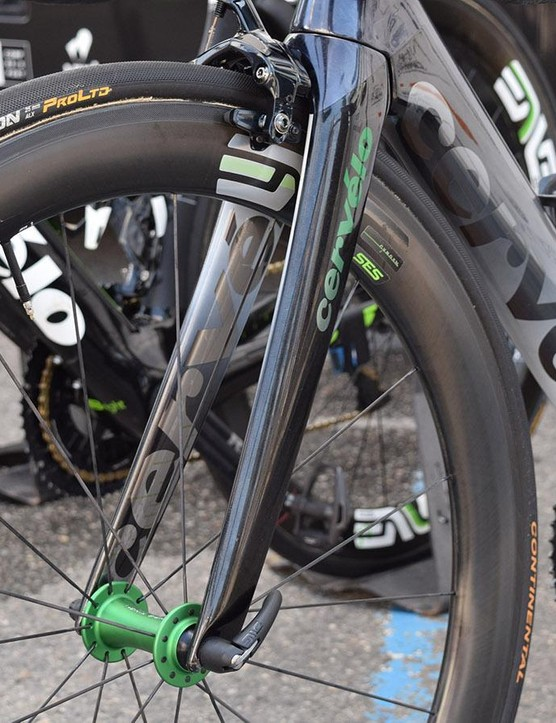 A closer look at the forks on Cavendish's bike