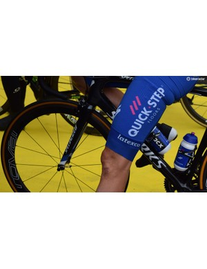 Niki Terpstra - the race winner - wears warmers cut just above the knee for some extra warmth on the thighs