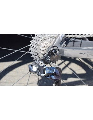 Merida looks to have produced a direct-mount rear derailleur hanger and uses a cable tie to keep the Di2 cable secure