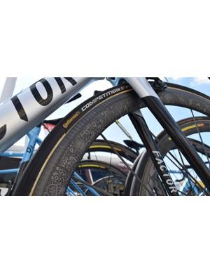 A closer look at the artwork on the Mavic wheels
