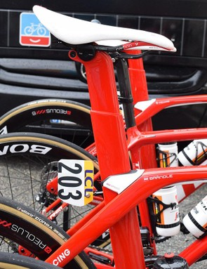 The new Madone Disc looks to retain the semi-integrated seat post design from the current Madone