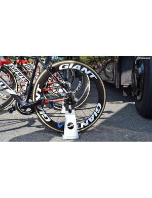 The rear of Dumoulin's bike was equipped with a 55mm Giant SLR 0 wheel