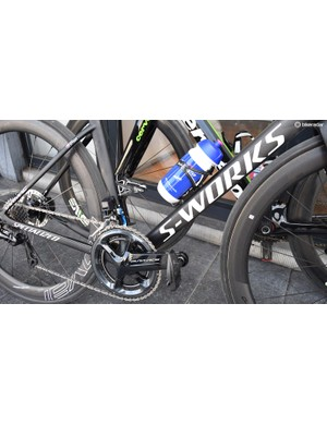 The Belgian team uses Tarmacs decorated in its blue and white team colours for racing, while the spare bikes and training bikes remain in matt black