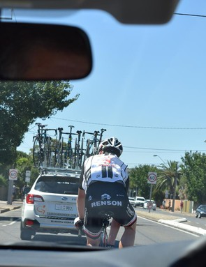 In the neutralised zone of a scorching stage 3, Team Sunweb wore ice vests to keep the core down