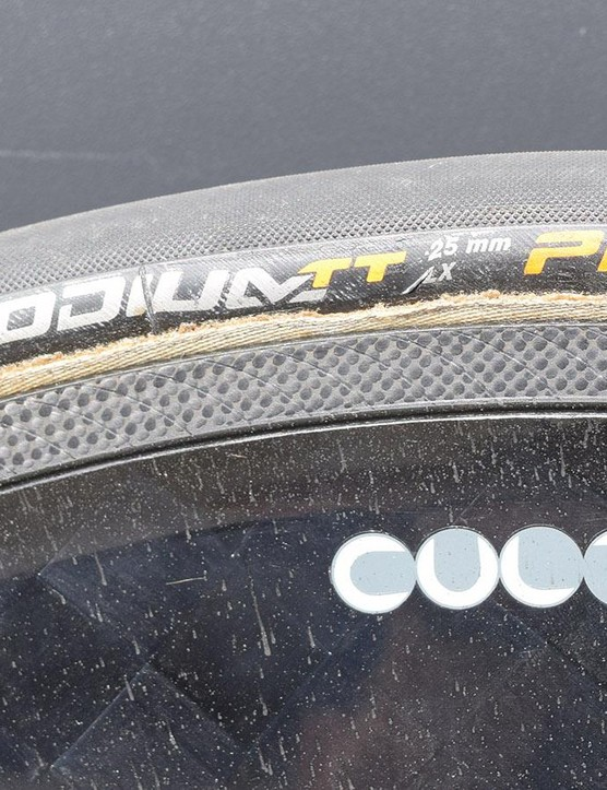 The Fulcrum wheels are paired with 25mm tubular Continental Grand Prix TT ALX tyres