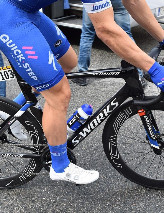 Jakobsen rolls to the start of stage one on the new aero bike