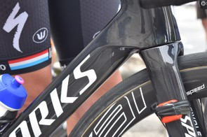 A closer look at the fork crown and down tube design
