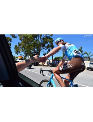 Stijn Vandenburgh did several bottle collections from the team car throughout the day