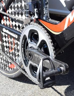 Vincenzo Nibali and his Bahrain-Merida teammates use Shimano Dura-Ace R9100 pedals