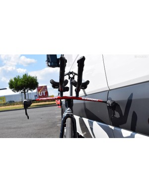 Flat profiled base bars will contribute to aerodynamic performance