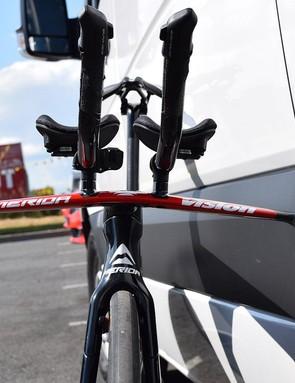 Flat profiled base bars will contribute to aerodynamic performance