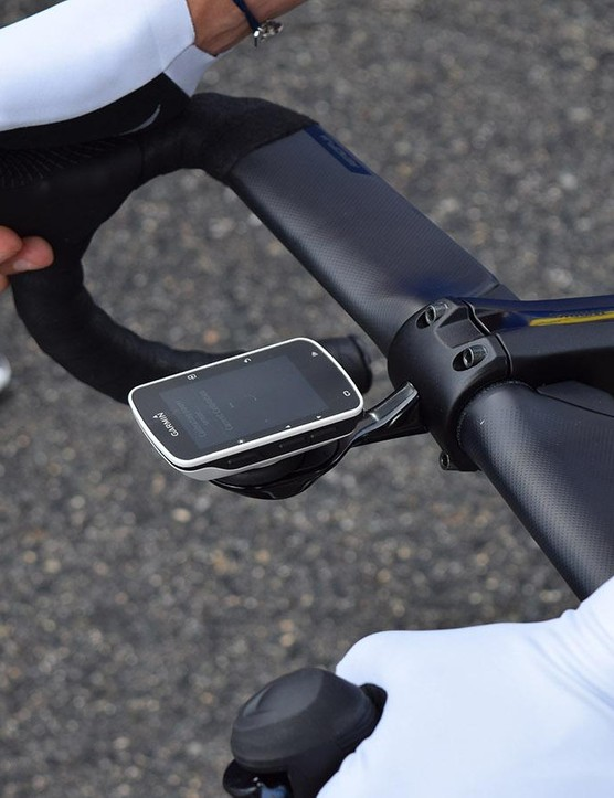 Triangular tabs on the rear of the new Aerofly bars likely conceal the internal cabling