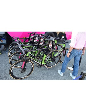 For the opening stages of this year's Tour de France, the entire EF-Drapac team used the new Cannondale SystemSix before switching to Synapse frames for stage 9 and SuperSix frames for the Alps