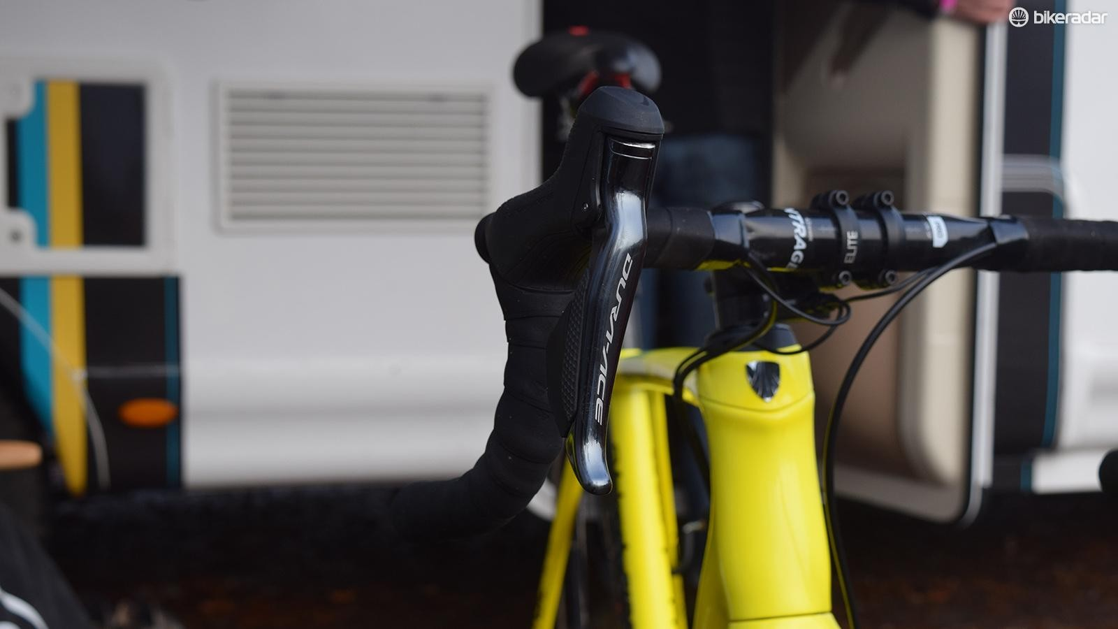 Shimano Dura-Ace R9170 shifters on Toon Aerts' Trek Boone
