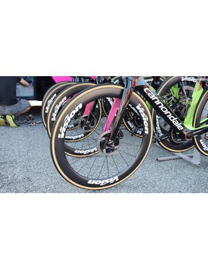 Some riders using disc brakes at the Tour de France have opted for 140mm front disc rotors but the EF-Drapac riders stick to the more common 160mm
